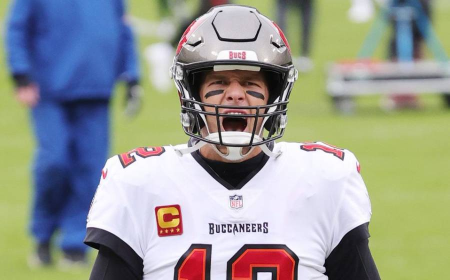 Tom Brady extiende su contrato con Buccaneers