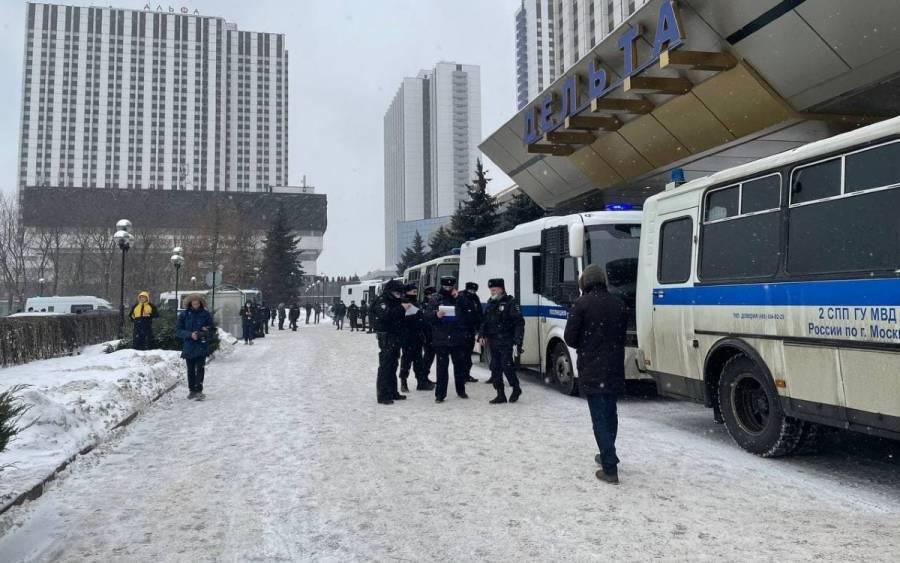 Rusia detiene alrededor de 150 personas en una reunión de políticos
