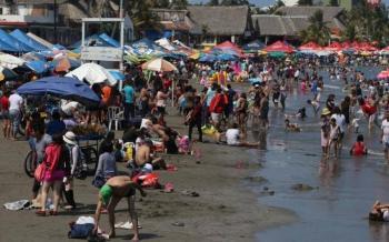 Gran afluencia de visitantes en playas de Guerrero, Veracruz y Yucatán
