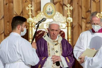 El Vaticano rechaza bendecir a parejas homosexuales