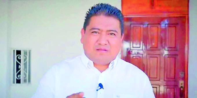 Denuncian a candidato en Oaxaca de difundir fotos de mujeres desnudas