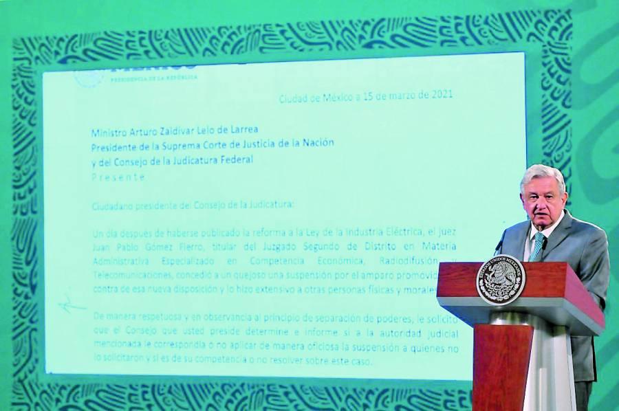 Pide AMLO a presidente de SCJN investigar amparo a reforma eléctrica