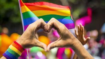 Sacerdotes desafían al Vaticano y darán su bendición a parejas del mismo sexo