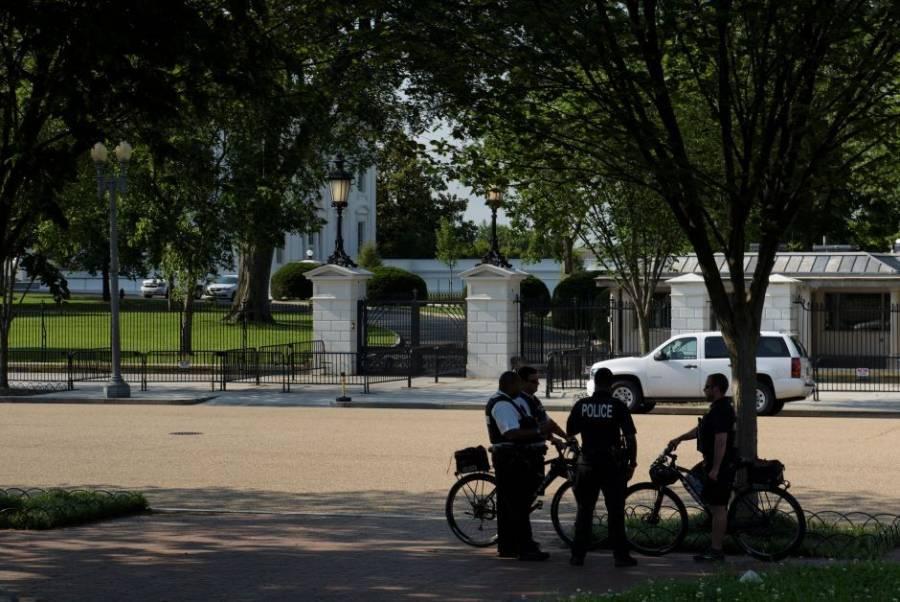 Detienen a individuo armado cerca de la residencia de la vicepresidenta de EE. UU.