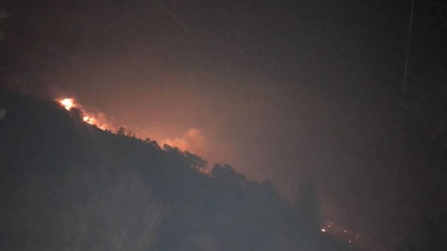 Incendio consume al menos 6 viviendas en sierra de Santiago y Arteaga