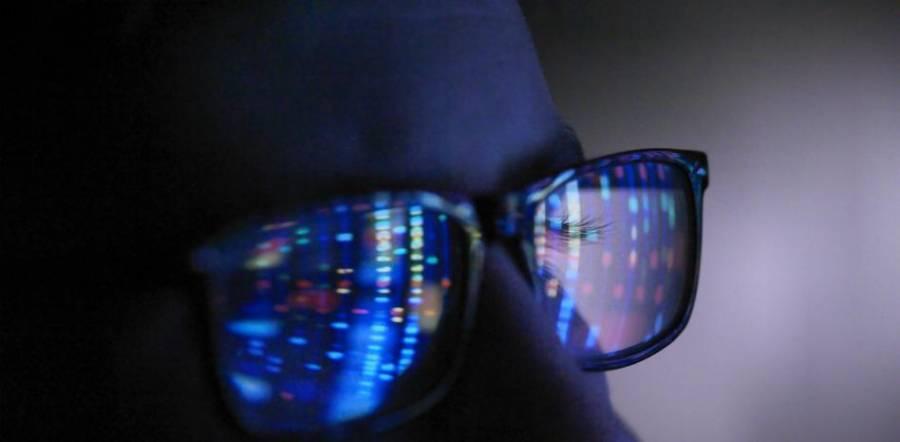 Facebook desarrolla pulsera compatible con gafas de realidad aumentada