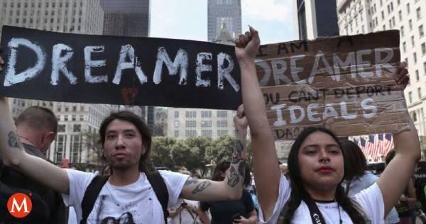 """Aprueba Cámara de Representantes proyecto para otorgar ciudadanía a """"dreamers"""""""