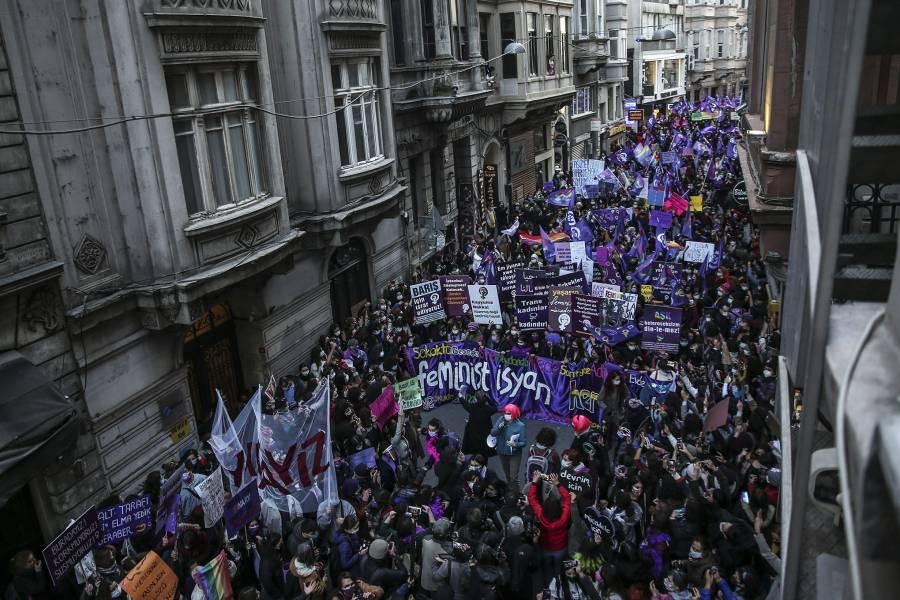 Turquía renuncia a tratado europeo para proteger derechos de las mujeres