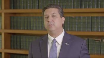 """Cabeza de Vaca asegura ser víctima de un """"linchamiento político"""""""