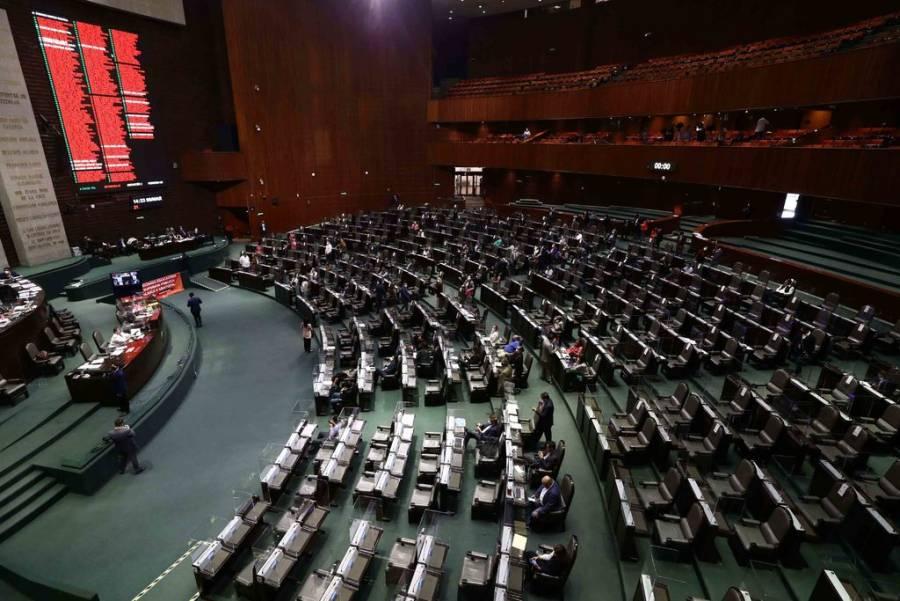 PAN pide a AMLO frenar enfrentamiento tras ola de amparos contra reforma eléctrica