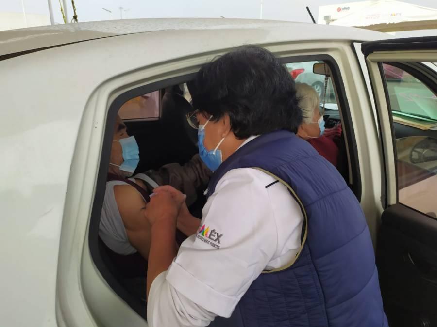 Por segundo día consecutivo Neza rompe récord de adultos mayores de 60 años vacunados contra Covid-19