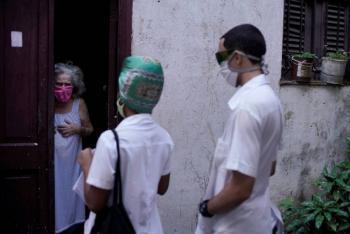 """Cuba alista prueba de eficacia de su vacuna contra COVID-19 """"Soberana 02"""""""