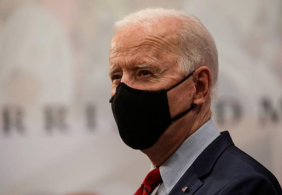 Biden insta al Congreso a prohibir armas de asalto
