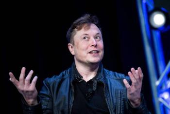 Elon Musk anuncia que los autos Tesla podrán pagarse en Bitcoin