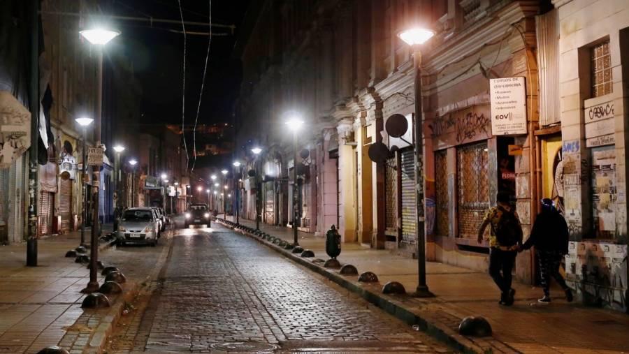 Chile vuelve al confinamiento por alza en contagios de Covid-19