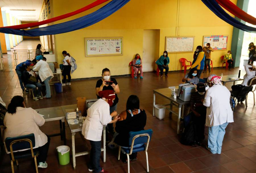 138 países ya aplican  vacuna antiCovid
