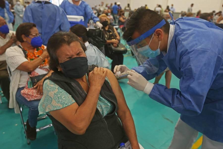En EdoMex, esperan vacunar al 80% de adultos mayores en dos semanas