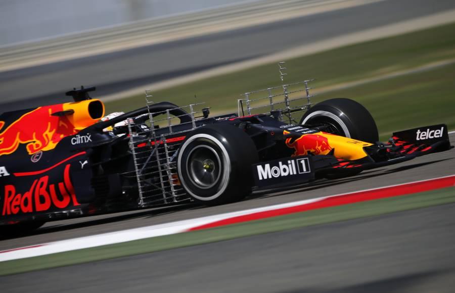 Verstappen marca el mejor tiempo en primera práctica del GP Baréin
