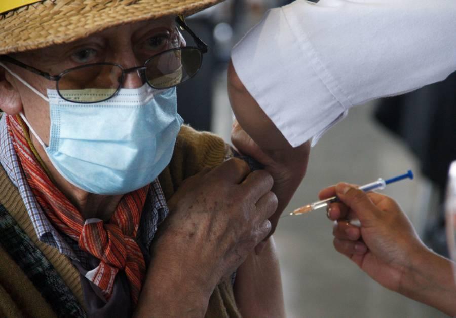 En Benito Juárez, Cuauhtémoc, Álvaro Obregón, Iztapalapa y GAM, continuará la vacunación contra COVID-19