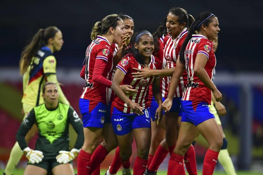 Chivas se impone al América en el Clásico Femenil