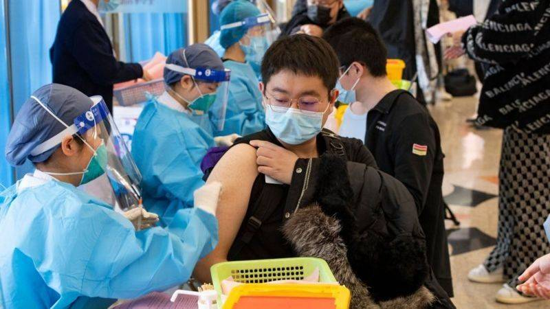 Registra china 15 nuevos casos de Covid, todos importados