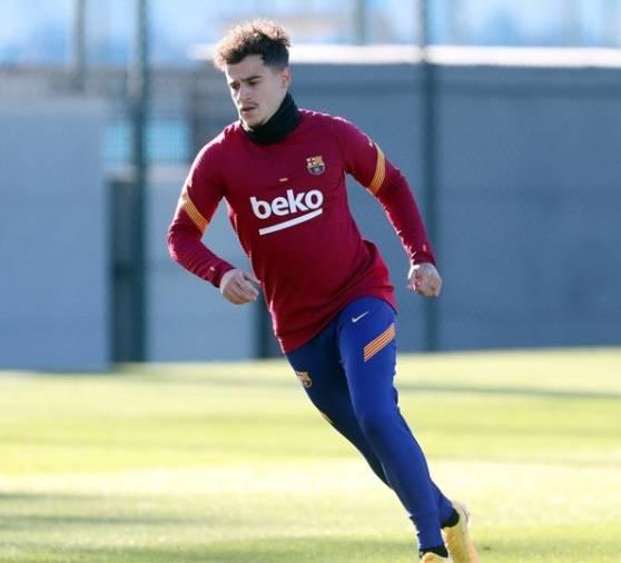 Coutinho deja Barcelona para rehabilitarse en Brasil