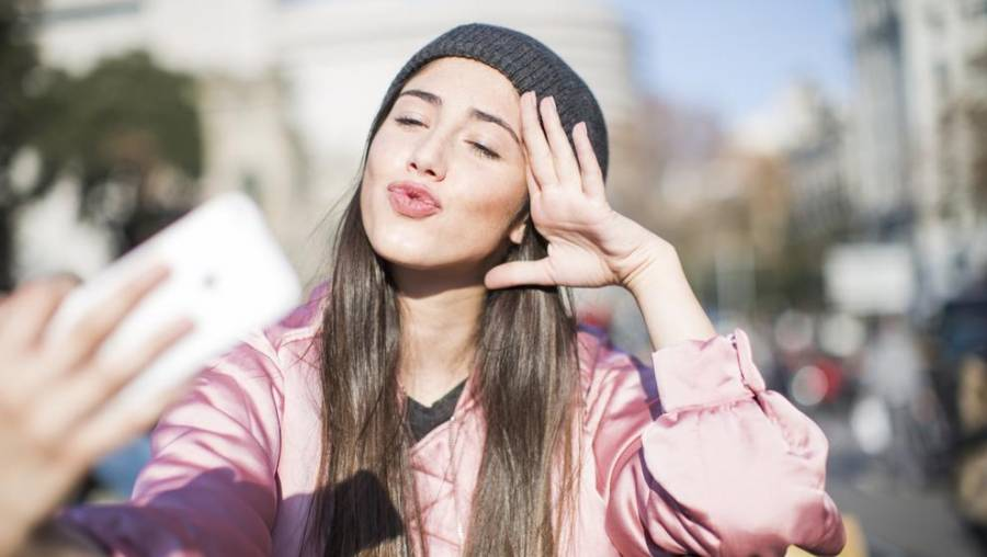 Redes sociales repercuten en la salud de adolescentes por filtros de edición corporal