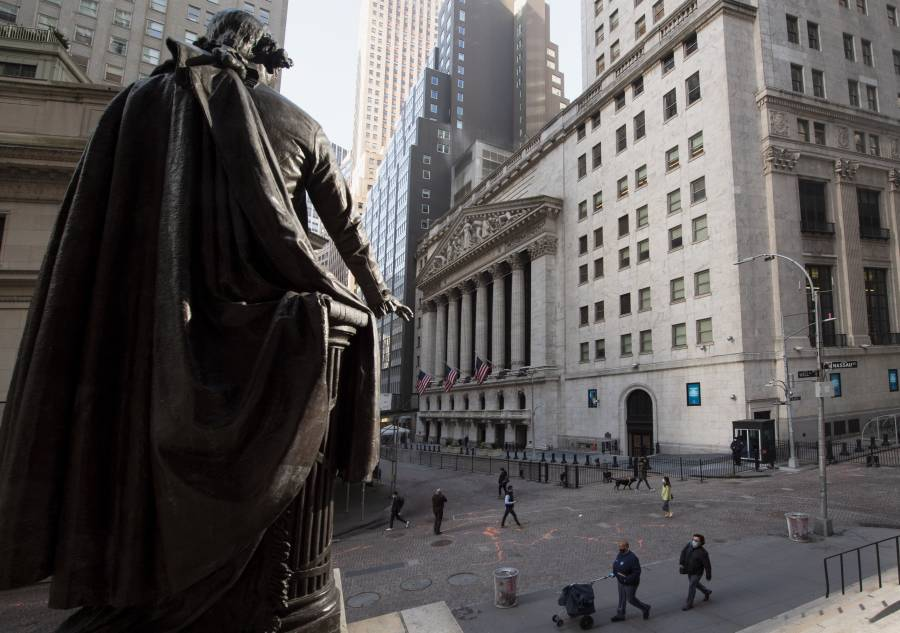 Wall Street abre en retroceso