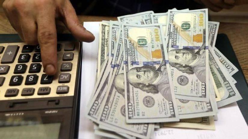 Peso inicia abril con ganancia ante el dólar