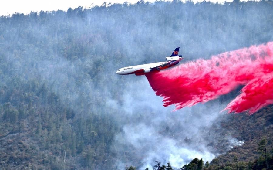 Destaca AMLO bombardeo de nubes en Monterrey para combatir incendios