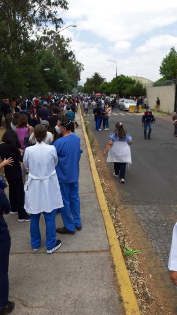 Logran unos 200 médicos privados ser vacunados en Coyoacán
