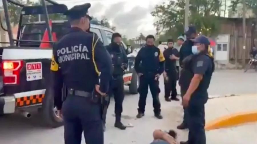 Testigos aseguran que fueron seis los policías que arrestaron a Victoria Salazar en Tulum