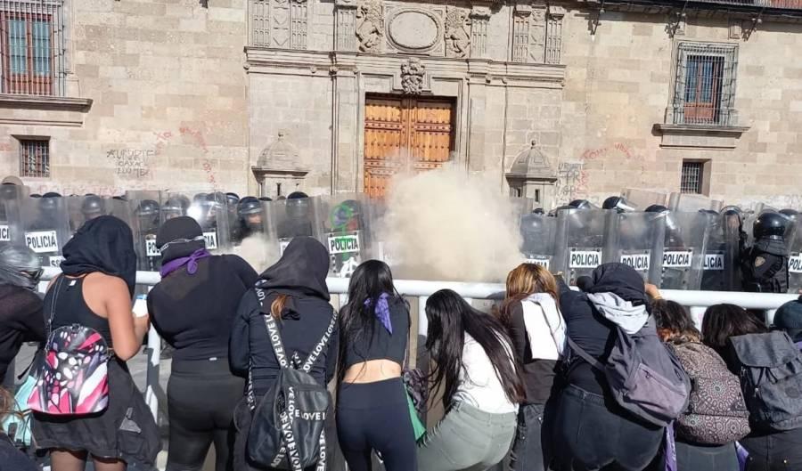 Marcha en CDMX por el feminicidio de Victoria Salazar, deja 32 heridos