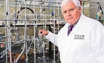 Homenajean de manera muy especial a científico mexicano Rafael Navarro