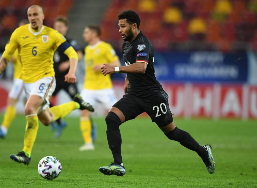 Serge Gnabry, baja por COVID-19 en el Bayern Múnich ante el PSG