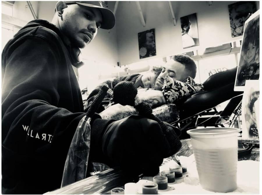 """Tatuador Willy Peña comparte las historias que """"traduce"""" a través de la tinta"""