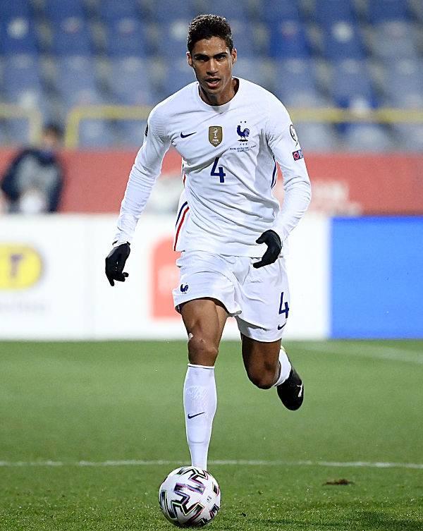 Varane, positivo a COVID-19; es baja en Real Madrid ante Liverpool