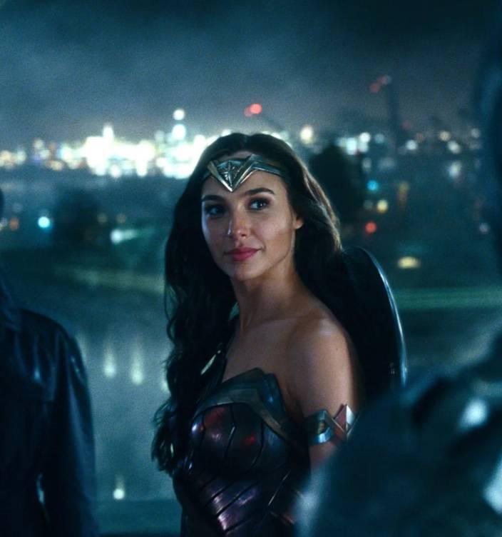 """Joss Whedon amenazó con dañar la carrera de Gal Gadot durante los reshoots de """"Justice League"""""""