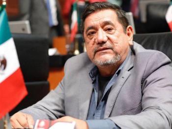 Por segundo día, simpatizantes de Félix Salgado protestan frente al INE