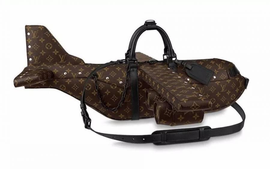 La extravagancia convertida en un bolso con forma de avión