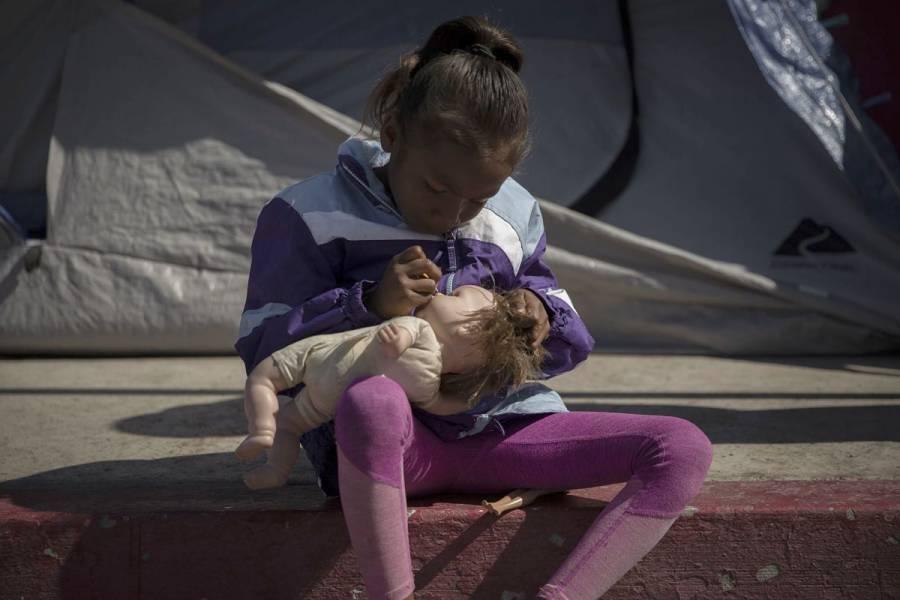 Rescatan a dos niños abandonados en la frontera entre EEUU y México