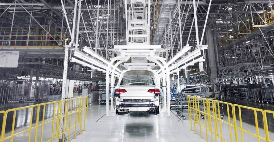 Exportación de autos en México cae más de 13%