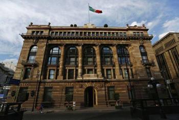 Banco de México: relajación de medidas de confinamiento ayudó a la recuperación económica global