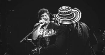"""Lanzan nueva versión de """"La paga congona"""" con Celso Piña"""