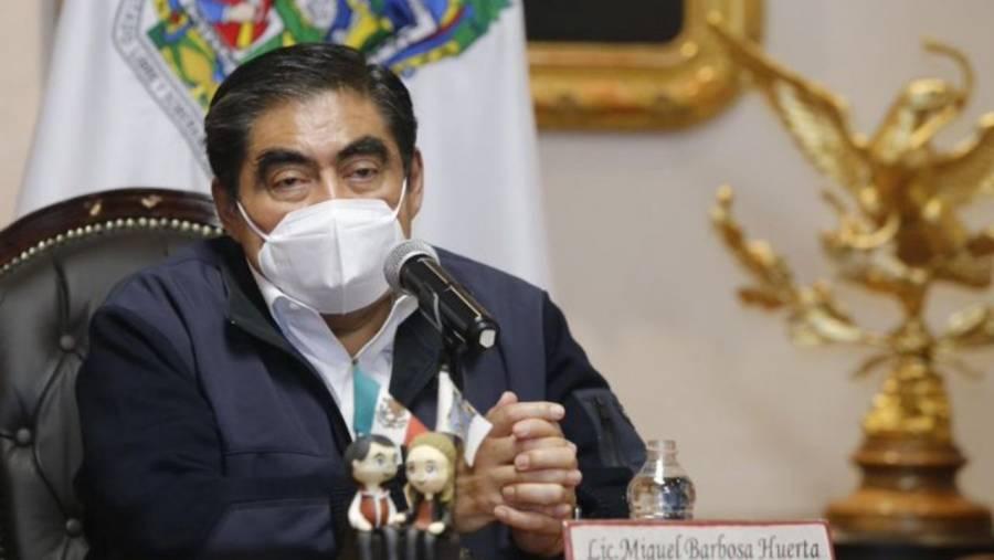 """Miguel Barbosa dijo que espera sentir un """"cosquilleo excitante"""" cuando sea vacunado"""