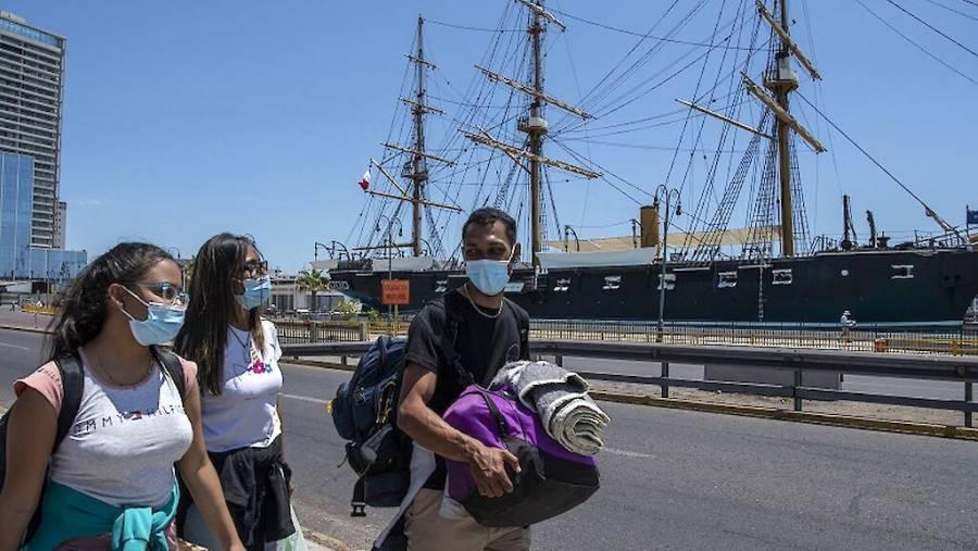 Por variante de Covid, Bolivia amplía cierre de frontera con Brasil