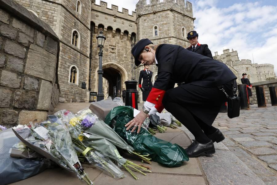 El Reino Unido rinde homenaje al príncipe Felipe y a su