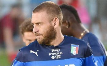 El exfutbolista Daniele De Rossi, fue hospitalizado por covid-19