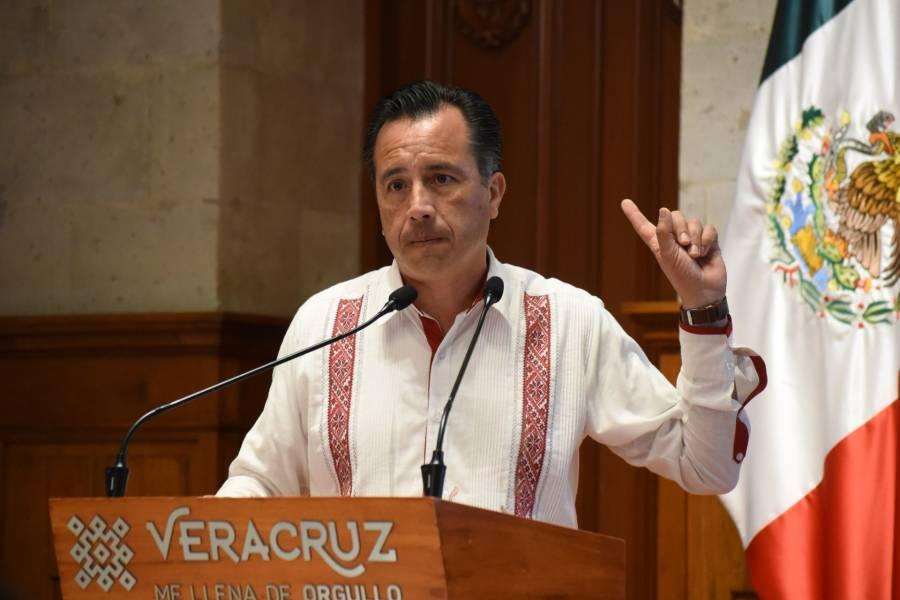 Pese a veda electoral, gobernador de Veracruz promociona obras en redes