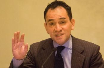 """Crecimiento de 5.3 % en México es """"realista"""": Arturo Herrera"""